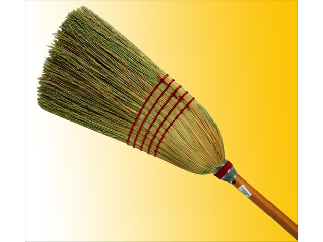 T448 Straw Tapered Broom